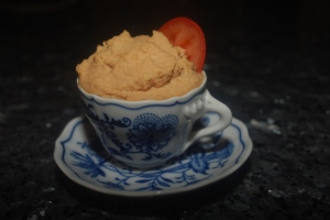 Sun-dried Tomato and Roasted Garlic Hummus